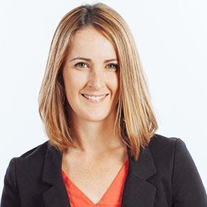 Kelly Straughan headshot